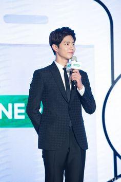 박보검 161219 대만 라인페이 행사 [ 출처 http://www.vogue.com.tw/mobile/feature/content-31024-511529.html ]