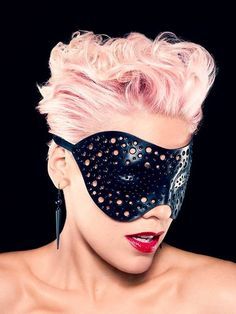 P!nk hair (not sure I could do the color, but love the texture & cut)