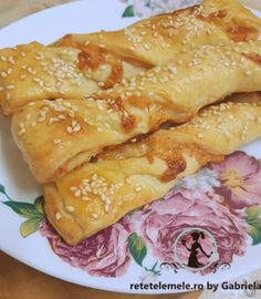 Spirale cu somon și mozzarella 1 Mozzarella, Empanadas, Ethnic Recipes, Empanada