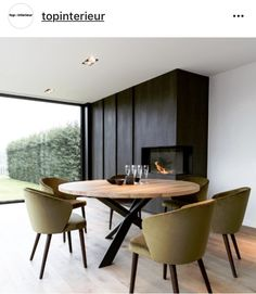 40 Inspiring Dining Room Table Design with Modern Style Dinning Room Tables, Dining Table Design, Dining Room Furniture, Round Wooden Dining Table, Small Dining, Patio Dining, Plywood Furniture, Furniture Ideas, Modern Furniture
