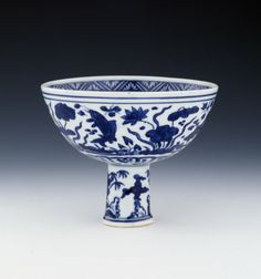 Porcelain stem cup with underglaze blue decoration. Ming dynasty, Jiajing period, 1540-1566 (circa). © The Trustees of the British Museum.