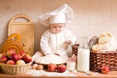 A Little Chef - Fussy Eaters Will Reject Whole Plate If It Contains Foods They… Cooking With Kids, Fun Cooking, Cooking Chief, Funny Babies, Cute Babies, Chefs, Book Bebe, Happy Pregnancy, Fussy Eaters