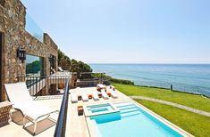 Multi-Million Dollar House on Malibu Beach! Malibu Mansion, Malibu Beach House, Beach Mansion, Malibu Homes, Porches, Malibu Beaches, Pacific Coast, Pacific Ocean, Strand