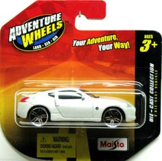 Nissan 370Z Maisto Adventure Wheels 1:64 Scale Pearl White
