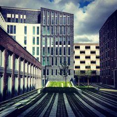 #Гамбург #Германия #прямыелинии #урбан #Urbanstyle #hamburg #Germany #building