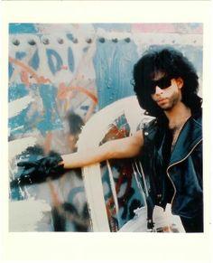 Prince giving the Peace Sign ~ Graffiti Bridge