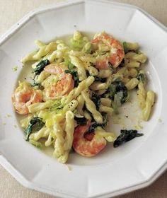 Shrimp, Leek, and Spinach Pasta | RealSimple.com