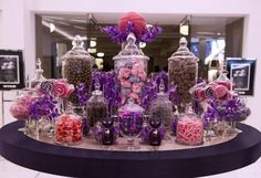 We have helped hundreds of customers plan their wedding shower and reception candy buffet. We have expert advice all the wedding candy and supplies you need to create the ultimate wedding candy bar… Buffet Dessert, Lolly Buffet, Candy Buffet Tables, Candy Table, Dessert Bars, Dessert Tables, Buffet Ideas, Party Buffet, Candy Bar Wedding