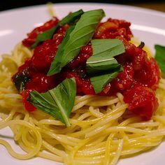 Spaghetti Amatriciana, Ethnic Recipes, Food, Essen, Meals, Yemek, Eten