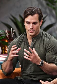 You are in the right place about hairy chest henry cavill Here we offer you the most beautiful pictu Superman Cavill, Henry Superman, Superman Baby, Ryan Gosling, Christian Grey, Adam Levine, Tom Hardy, Long Haired Men, Hc Hair