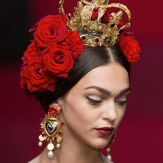 For Spring/Summer 2015, Dolce & Gabbana presented a flamenco-inspired collection with stunning jewelry.