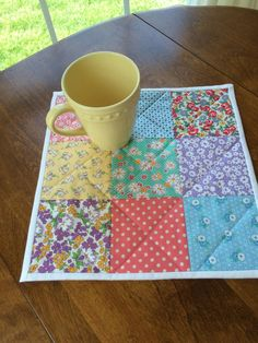Quilted Table Topper – Pieced Quilt – Reproduction Prints – Square -Table runner This beautiful quilted table topper is made with reproduction prints. This quilted table runner … Quilted Placemat Patterns, Quilt Patterns, Quilted Table Toppers, Quilted Table Runners, Quilt Baby, Baby Dekor, Table Runner Pattern, Small Quilts, Mug Rugs