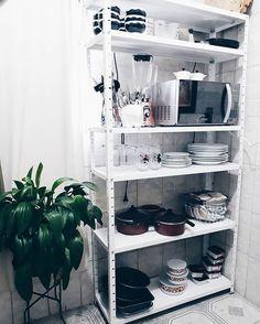 decorating new home ideas Kitchen Organization Pantry, Home Organization, Apartment Kitchen, Apartment Interior, Black Kitchens, Home Kitchens, How To Clean Copper, Diy Home Decor, Room Decor