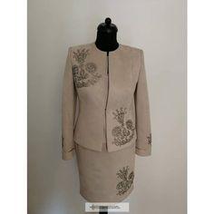 Orsi női kosztüm www.hagyomanyorzobolt.com Blouse, Long Sleeve, Sleeves, Tattoo, Women, Fashion, Moda, Long Dress Patterns, Fashion Styles