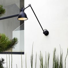 DCW Editions has once again taken the occasion of Milan Design Week to show off a couple of new lighting products that can give some new interesting twists to Luxury Furniture, Furniture Decor, Modern Furniture, Furniture Design, Led Decoration, Lampe Retro, Dcw Editions, Lampe Gras, Luminaire Led