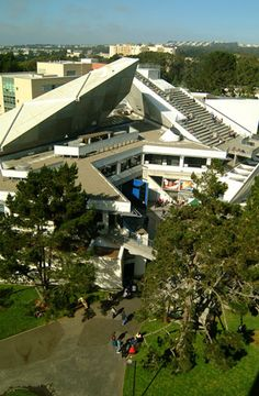 the top of the cesar chavez student center at sf state university if kinda my favorite place to have lunch on campus? San Francisco State University, San Francisco Girls, Cesar Chavez, Dream School, San Fransisco, Photos Du, Northern California, Bay Area, Places To See