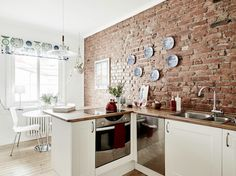 Kitchen with brick wall Brick Wall Kitchen, Kitchen Dinning, Brick Wall Wallpaper, Kitchen Models, Dining Room Walls, Cuisines Design, Minimalist Living, Apartment Design, Home Renovation