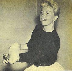 Doris Day plays ping pong