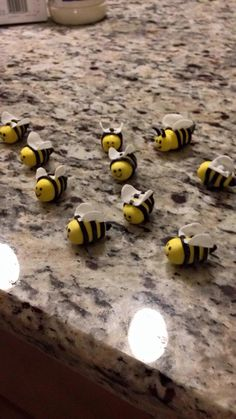 Fondant Bumble bees for cupcakes