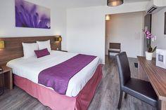 Hôtel Libéra*** - Chambre Standard de 1 à 3 personnes - à proximité de Caen en Normandie idéale pour un weekend en amoureux à proximité du Mont Saint-Michel, du Mémorial de Caen, des plages du débarquement et du château de guillaume le conquérant ...