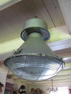 grote industriële lamp met bolglas *ze zijn er weer, Deco ideeën