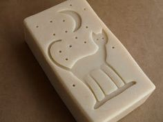 A soap stamp. simple scroll saw cut out design on a block of wood and you have a stamp for soap. Handmade Ornaments, Handmade Soaps, Diy Soaps, Savon Soap, Bath Soap, Soap Packaging, Cold Process Soap, Soap Molds, Tampons