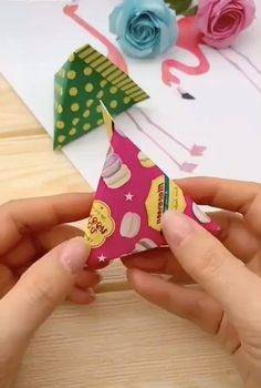 Crafts For Kids, Diy Crafts To Do, Diy Crafts Hacks, Art Crafts, Creative Crafts, Design Crafts, Arts And Crafts, Origami Paper, Paper Origami Flowers