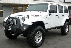 2014 Jeep Wrangler Rubicon White 157815 Front Left Side Angle