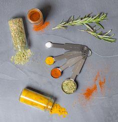 Gebruik jij vaak een maatbeker of weegschaal om ingrediënten af te wegen tijdens het koken? Voor kleine hoeveelheden is dit niet altijd even praktisch. Daar bieden de Sareva maattlepels 4-delig een uitkomst voor! Kruiden, gemalen koffiebonen of meel weeg je nauwkeuriger af met een maatlepel. Uitschieters zijn verleden tijd met deze handige maatlepels! Measuring Spoons