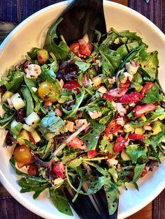 Frühlingssalat mit Erdbeeren