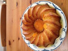 Savarin à l'orange et au grand marnier - Recette de cuisine Marmiton : une recette Grand Marnier, Crepes, Apple Pie, Muffin, Fruit, Breakfast, Desserts, Food, Bakken
