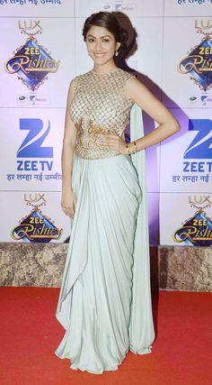 Mrunal Thakur at the Zee Rishtey Awards 2015. #Bollywood #Fashion #Style #Beauty #Hot #Desi