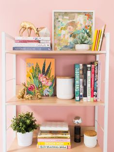 How To Decorate A Shelf Styling Bookshelves Libraries 43 Ideas For 2019 Styling Bookshelves, Bookcases, Decorating Bookshelves, Boho Home, Diy Home Decor Projects, Home Office Decor, Room Inspiration, Decorating Your Home, Bedroom Decor