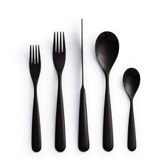 Products we like / Cutlery / Black / Century Flatware / Tabletop Design posate nere Kitchen Handles, Kitchen Utensils, Kitchen Tools, Decoration Inspiration, Cuisines Design, Home And Deco, Wooden Handles, Kitchen Accessories, Kitchenware