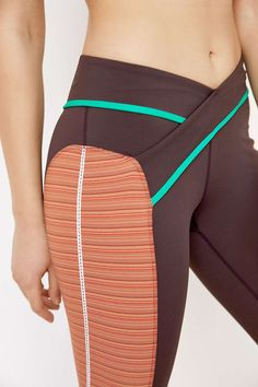 Without Walls Sessions Split Side Knee Cropped Legging