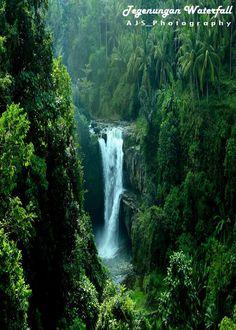 Tegenungan Waterfall by Made Gunadhi ~ Located in Gianyar - Bali, it's around 1,5 hours from Kuta Bali
