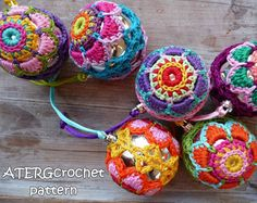 Sfera di Natale colorato crochet modello di di ATERGcrochet