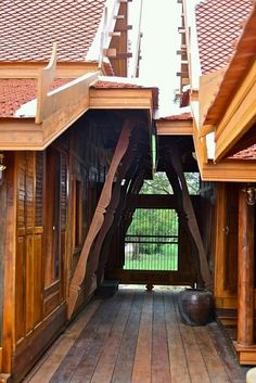 Millionaire Homes, Thai House, Water Features In The Garden, Thai Style, Wooden House, Hostel, Traditional House, Home Projects, Sweet Home