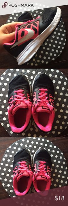 Nike shoes for little girl In great condition. Cute and comfortable Nike Shoes Sneakers