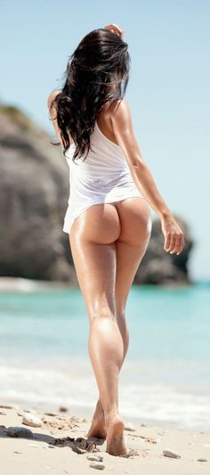 PERFECT MUSCULAR BEACH BUTT of sexy #Fitness model : Health, Exercise & #Fitspiration - the best #Inspirational & #Motivational Pins by: http://cagecult.com/mma