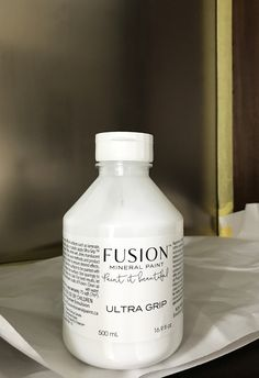 When painting a super slick surface, always start with Fusion's Ultra Grip | #slicksurfaces | #spon #fusionmineralpaint #diypaintpowder #ultragrip | #orc #oneroomchallenge #housebeautiful | www.thechelseaproject.com