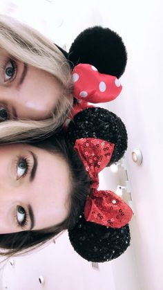 Disney Photo idea with your bestfriend Cute Disney Pictures, Cute Friend Pictures, Best Friend Pictures, Friend Pics, Disney Pics, Disney Disney, Disney Cruise, Bff Pics, Tumblr Bff
