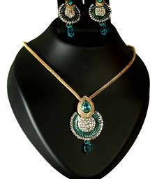 Black friday deals and offers mirraw Buy Designer diamond necklace set for womens necklace-set online Diamond Necklace Set, Diamond Drop Earrings, Gold Plated Necklace, Stone Necklace, Diamond Jewelry, Buy Earrings, Imitation Jewelry, Wedding Jewelry Sets, Diamond Stone