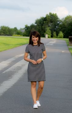Striped Dress with Sneakers - Cyndi Spivey - - Today I'm styling a striped dress from Old Navy with a pair of sneakers. This is a casual summer outfit that's comfortable and great for running errands. Sneakers Outfit Casual, Skirt And Sneakers, Casual Dress Outfits, Casual Summer Dresses, Nice Dresses, Cute Outfits, Fashion Outfits, Summer Outfit, Striped Dress Outfit