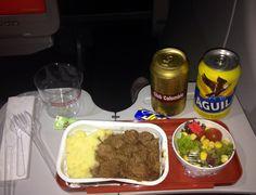 Cena en el avión todo bien con Avianca