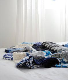 Plaid.Dessus de lit. Couverture bébé. Couverture tricotée. Grande couverture. Laine bleu blanc gris 100x200cm. Fait main.