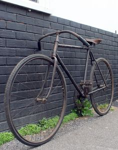 1907 Bonnet & Morel 'La France' – The Online Bicycle Museum Folding Mountain Bike, Mountain Bike Shoes, Mountain Bicycle, Mountain Biking, Velo Vintage, Vintage Cycles, Vintage Bikes, Old Bicycle, Old Bikes
