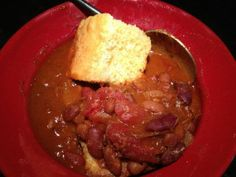 When your in a bind and looking for a fast meal to make for a large crowd try Karen McElwain's Quick Chili | light and dark Kidney Beans, Chili beans, tomato sauces diced basil, garlic, and oregano tomatoes, stewed tomatoes, roast beef, and an onion