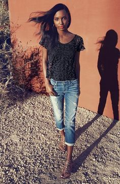Casual look: Black Lace Top & Distressed Skinny Jeans