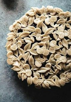 Cherry Pie Crust Design - Pies and Tarts - Torten Beautiful Pie Crusts, Pumpkin Pasties, Pie Crust Designs, Pie Decoration, Pies Art, Pie Tops, Pie Crust Recipes, Sweet Pie, No Bake Pies